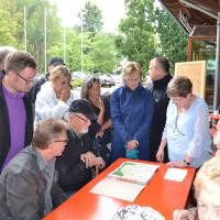 Fraktionsvorsitzende Ulli Knoch erklärt den Stand der Planungen