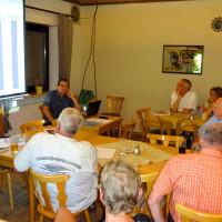 Kämmerer Erwin Unfried erläutert die Grundsätze des Röthenbacher Zahlenwerks